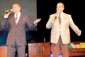 2.-Carlos Alfredo y Felipe Polanco durante el Show
