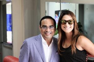 Gilberto y Nathalie posan para una foto luego de hacer soundchek en la tarde del viernes 21 de agosto en el Nuryn Sanlley