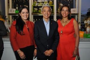 Principal Heidi Pineda, Luis Concepción y Mery Melo.jpg