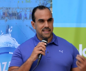 3.- Anthony Artiles, Vicepresidente Ejecutivo de Body Shop Athletic Club habla sobre la jornada de natación